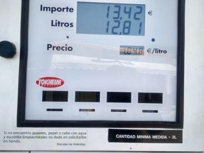 ano 1.048 za benzín!