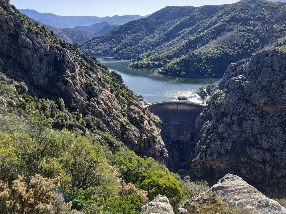 Lac de Tolla  prihradný múr