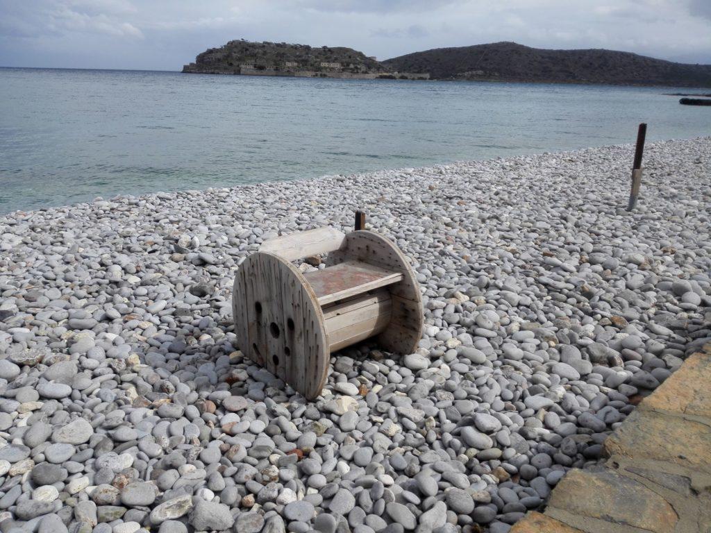 Plaka, Pláž